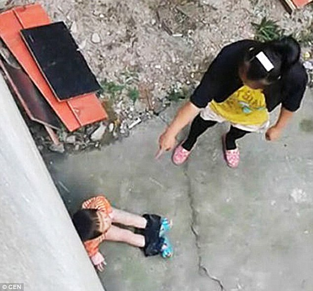 1413822025214_wps_72_Pic_shows_Woman_brutally_